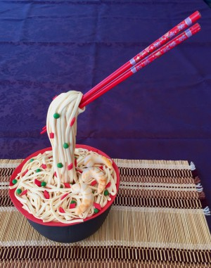Feesttaarten - 3D anti gravity noodles met chopsticks