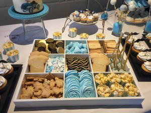 Sweettable - Sweet table meringues cakepops cupcakes koekjes snorren