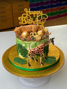 Feesttaarten - Dripcake jungle met speelgoed David